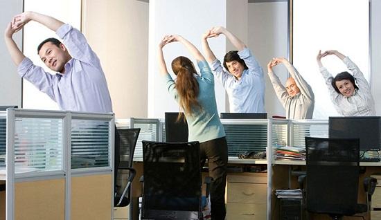 Vận động mỗi giờ giải lao giúp giữ dáng thon gọn, khỏe mạnh