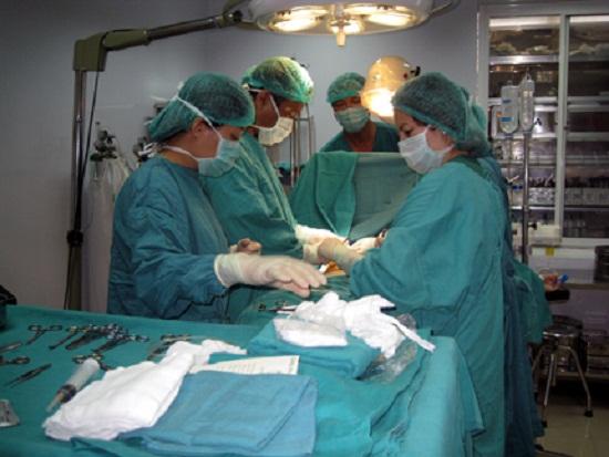 Phẫu thuật hút mỡ bụng an toàn tại bệnh viện