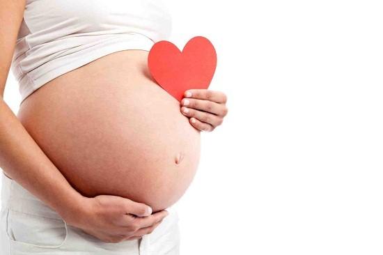 Hút mỡ bụng không ảnh hưởng đến việc mang thai và sinh con